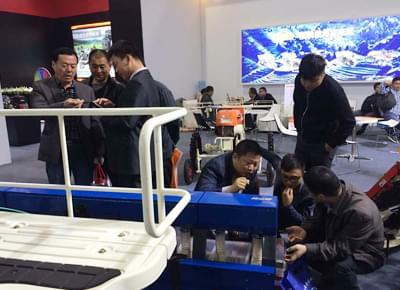 富来威亮相2015中国国际农机展