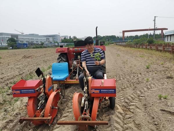 《优质农产品》宋毅总编到富来威调研蛋白桑种植机械化